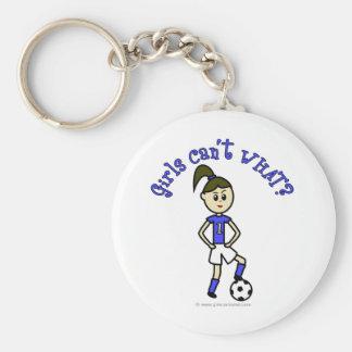 Fútbol para mujer ligero en uniforme del azul llavero redondo tipo pin
