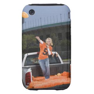 Fútbol que lanza de la mujer del chupar rueda iPhone 3 tough protector