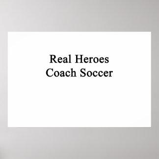 Fútbol real del coche de los héroes póster