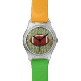 Fútbol verde enrrollado del Grunge Reloj