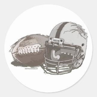 Fútbol y casco por los estudios de Mudge Pegatina Redonda