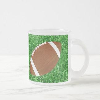 Fútbol y césped taza de café esmerilada