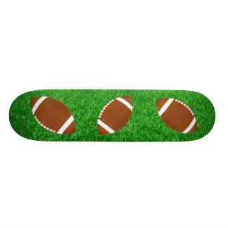 Fútboles en el césped monopatin personalizado