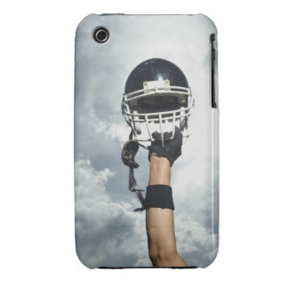 Futbolista que celebra el casco en aire Case-Mate iPhone 3 fundas