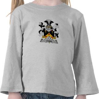 Fyan Family Crest T-shirt