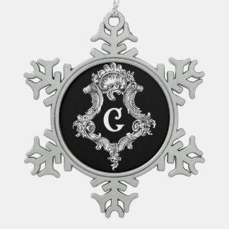 G Monogram Initial Ornament