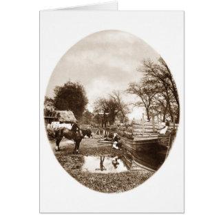 Gabarra traída por caballo Reino Unido Tarjetón