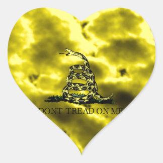 Gadsden arrolló la serpiente en las nubes de calcomanías corazones personalizadas