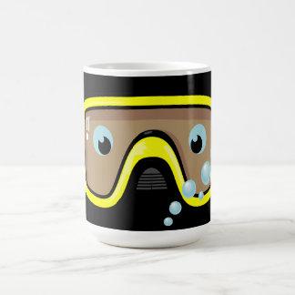 Gafas amarillas taza de café