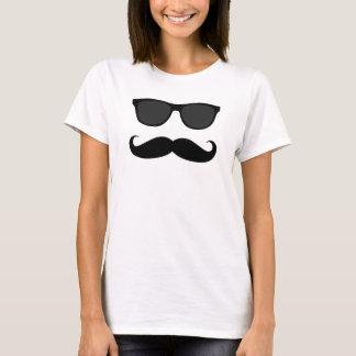 Gafas de sol del bigote del inconformista playera