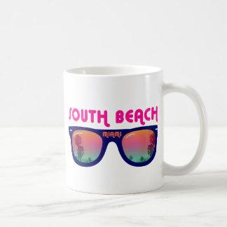 Gafas de sol del sur de Miami de la playa Taza Básica Blanca