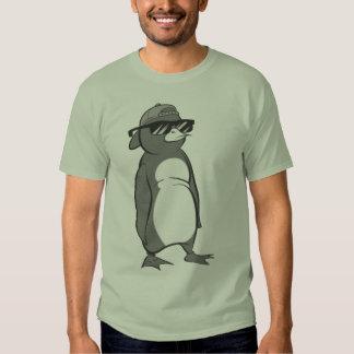 Gafas de sol que llevan del pingüino fresco remera