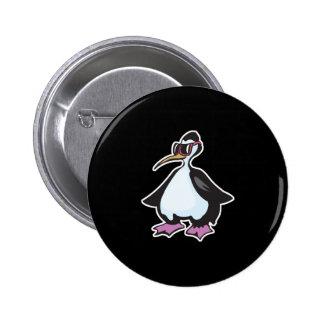 gafas de sol que llevan del pingüino rechoncho pin redondo 5 cm