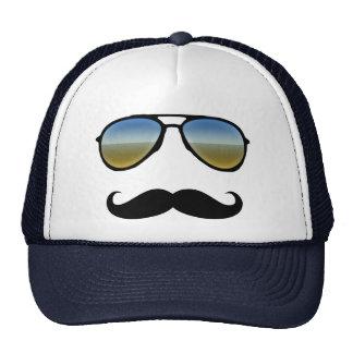 Gafas de sol retras divertidas con el bigote gorro de camionero