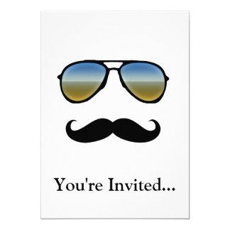 """Gafas de sol retras divertidas con el bigote invitación 5"""" x 7"""""""