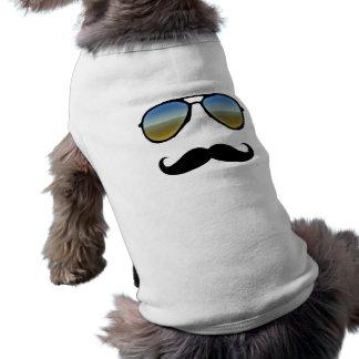Gafas de sol retras divertidas con el bigote playera sin mangas para perro