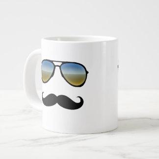 Gafas de sol retras divertidas con el bigote taza grande