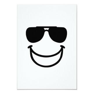 Gafas de sol sonrientes divertidas comunicado personalizado