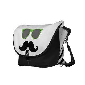Gafas de sol verdes divertidas con el bigote bolsas de mensajería