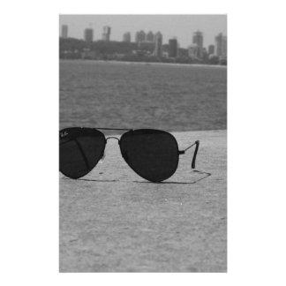 Gafas de sol y Bombay de B&W Papelería De Diseño