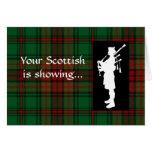 Gaitero del escocés del día del tartán felicitación