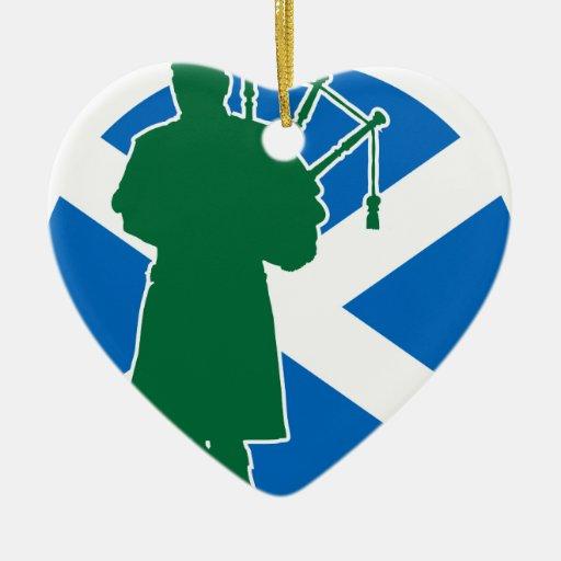 Gaitero escocés adorno de cerámica en forma de corazón