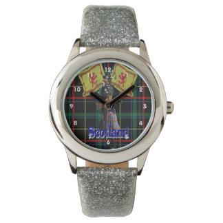 Gaitero escocés en el tartán relojes de pulsera