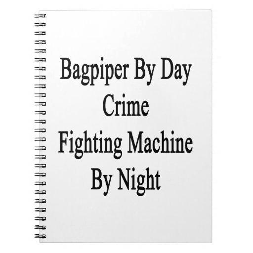 Gaitero por la máquina que lucha del crimen del dí libros de apuntes con espiral