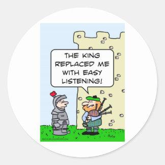 Gaitero substituido rey con escuchar fácil pegatina redonda