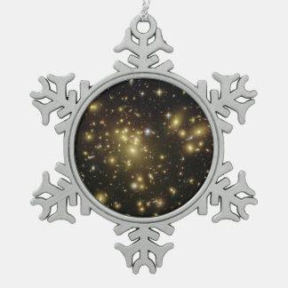 Galaxia Abell 1689's Adorno