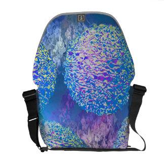 Galaxia azul ciánica del fractal abstracto externo bolsas de mensajeria
