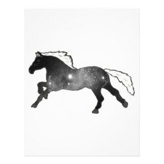 Galaxia blanco y negro de la nebulosa del caballo membrete