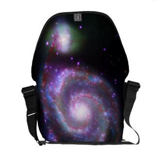 galaxia de m51 Whirlpool: Una belleza clásica Bolsas De Mensajería