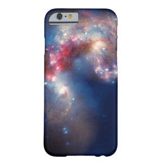 Galaxia de NASAs NGC 4038-4039 Funda De iPhone 6 Slim