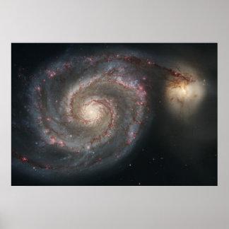 Galaxia de Whirlpool (M51) y galaxia del compañero Póster