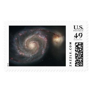 Galaxia de Whirlpool (M51) y galaxia del compañero Timbres Postales