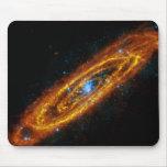 Galaxia del Andromeda Alfombrillas De Ratón