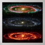 Galaxia del Andromeda en 48x48 Rojo-Fuerza-ULTRAVI Posters
