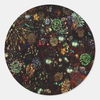 Galaxia del collage de los fuegos artificiales pegatina redonda