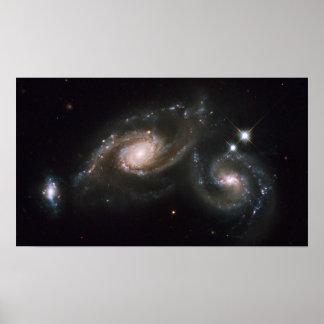 Galaxia del trío ARP274 Poster