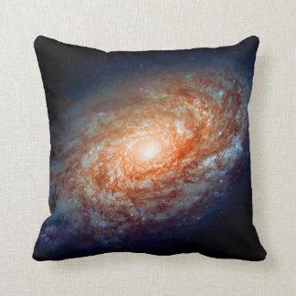 Galaxia en colores pastel del espacio del gótico almohadas