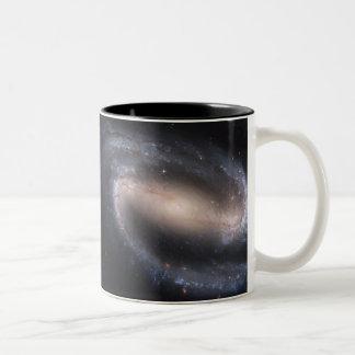 Galaxia espiral barrada NGC 1300 Taza De Café