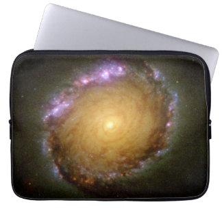 Galaxia espiral barrada NGC 1512 en muchas Funda Ordendadores