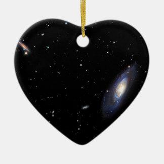 Galaxia espiral M106 Adorno Navideño De Cerámica En Forma De Corazón