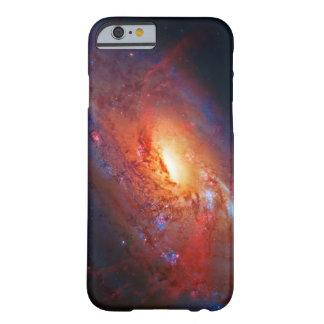 Galaxia espiral M106 en los bastones Venatici Funda Para iPhone 6 Barely There