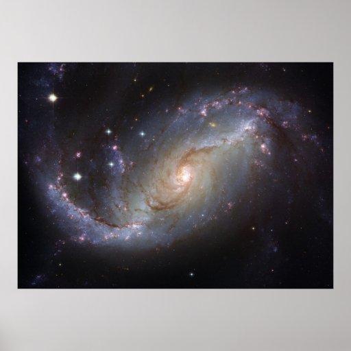 Galaxia espiral NGC 1672 por el telescopio de Hubb Posters