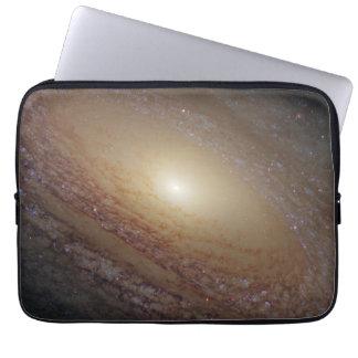 Galaxia espiral NGC 2841 Mangas Portátiles