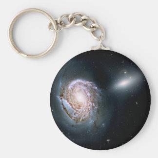 Galaxia espiral NGC 4911 en el racimo de la coma Llavero Redondo Tipo Pin