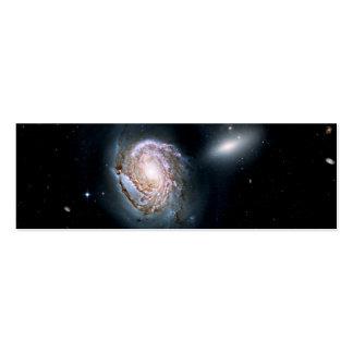 Galaxia espiral NGC 4911 en el racimo de la coma Tarjetas De Visita Mini
