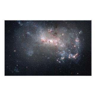 Galaxia irregular enana NGC 4449 de Magellanic Fotografía